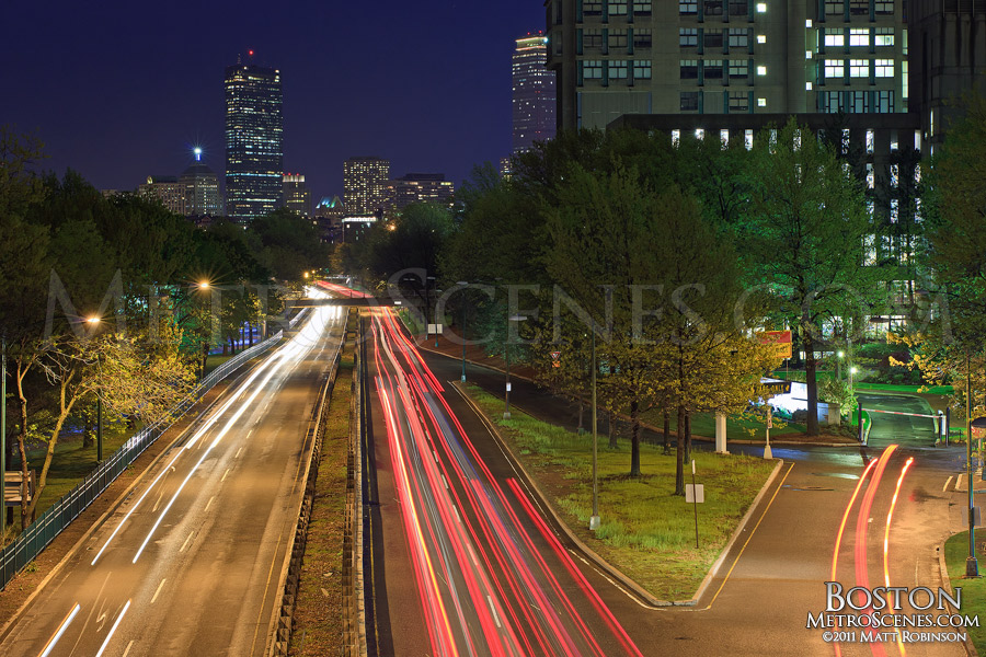 Traffic on Storrow Drive at night