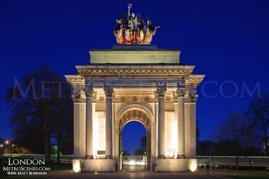 Wellington Arch at night, London