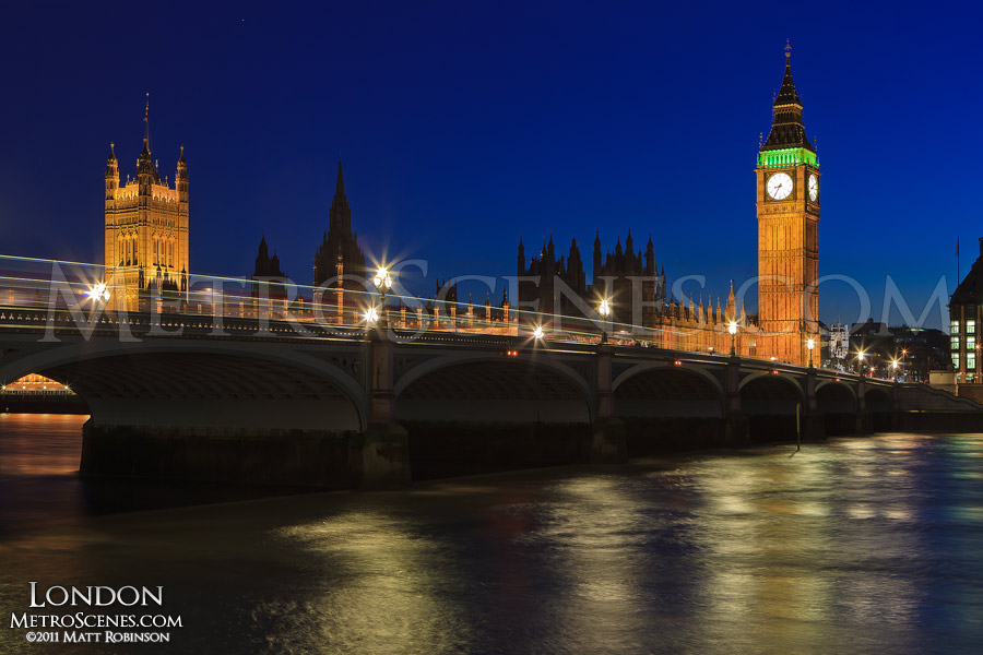 Westminster Bridge with the Palace of Westminster at night