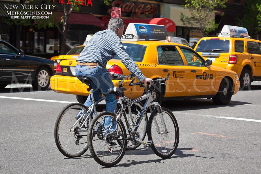 Double bike ride in New York City