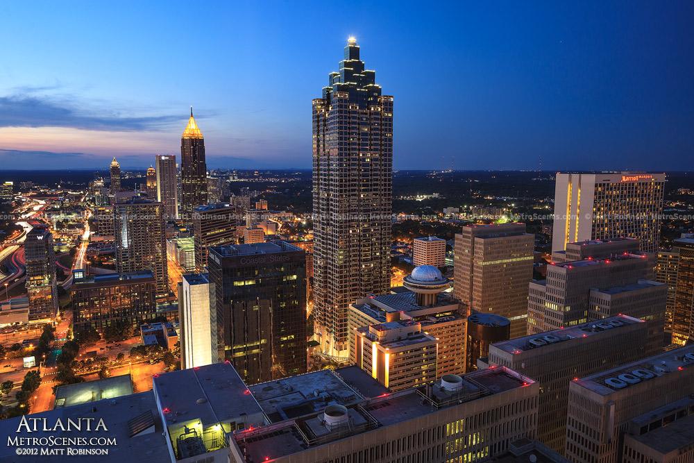 Atlanta's Suntrust Plaza at night