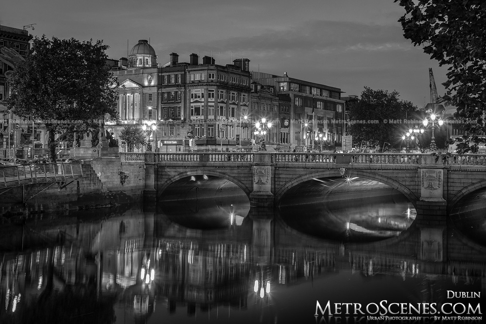 Dublin ireland river liffey at night black and white