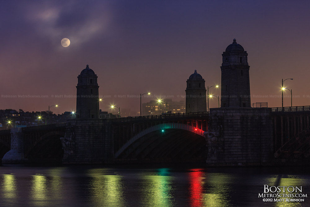 Supermoon rise over the Longfellow Bridge
