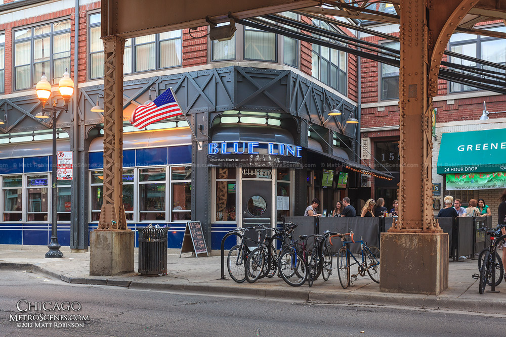 Blue Line Lounge & Grill at Damen