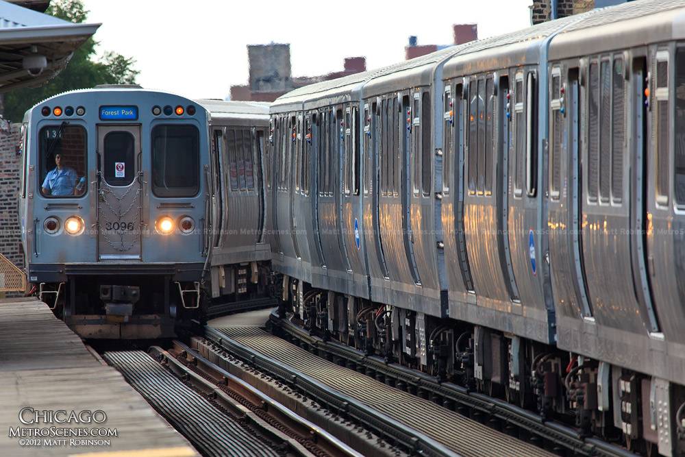 "Two ""L"" Trains meet in Chicago"