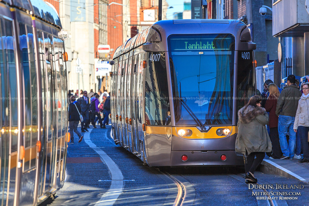 Dublin Light Rail Tram - Luis