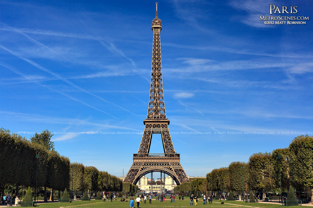 Classic view of the Eiffel Tower from Champs de Mars