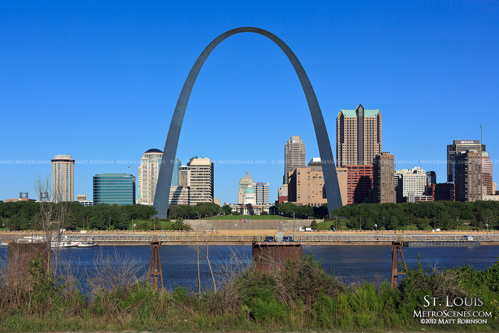 Daylight St. Louis skyline from the Missouri River bank