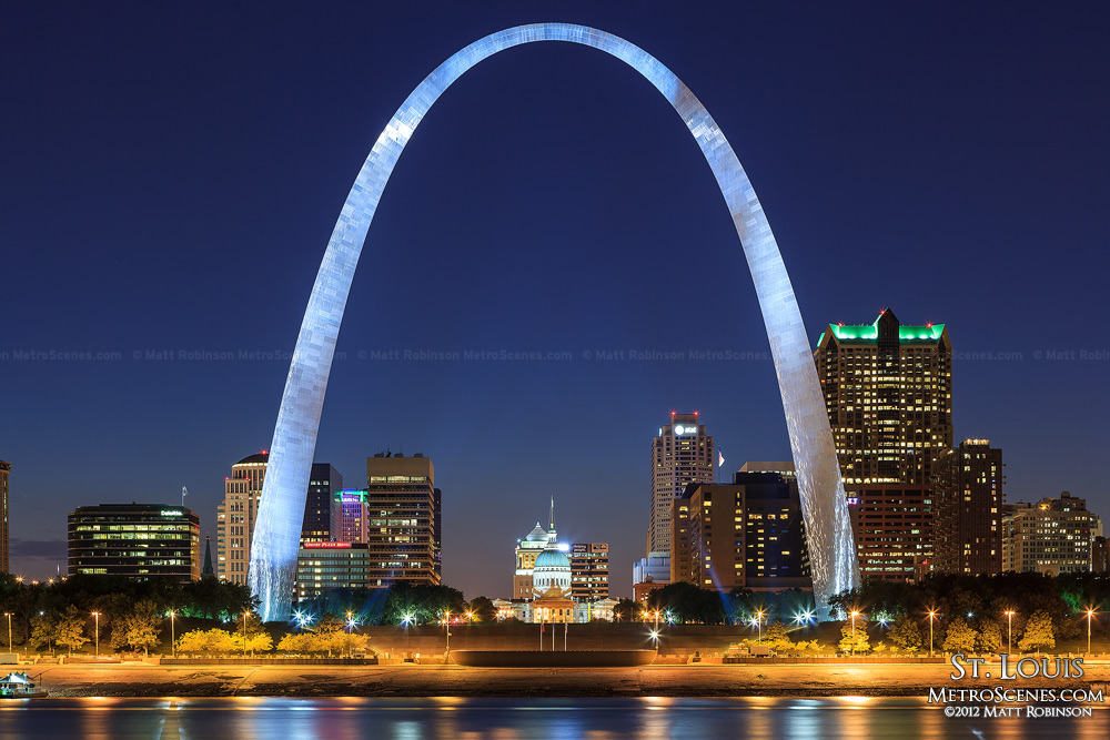 St. Louis Gateway Arch at night
