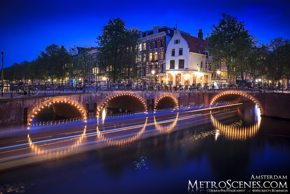 Keizergracht Canal bridge in Amsterdam at night