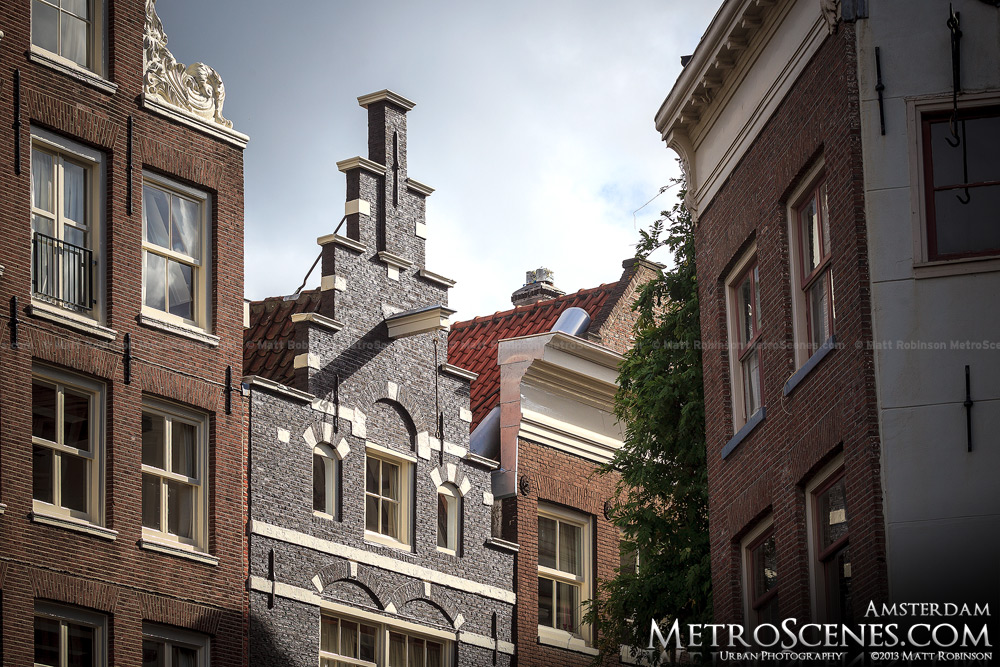 Amsterdam gable and hook
