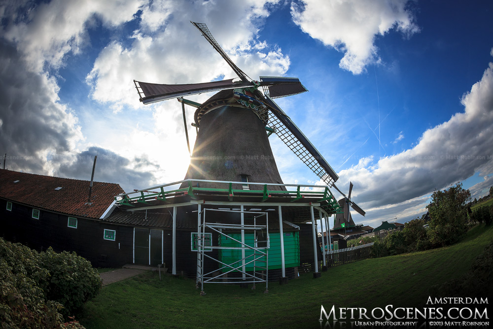 De Zoeker Holland windmill in Zaanse Schans