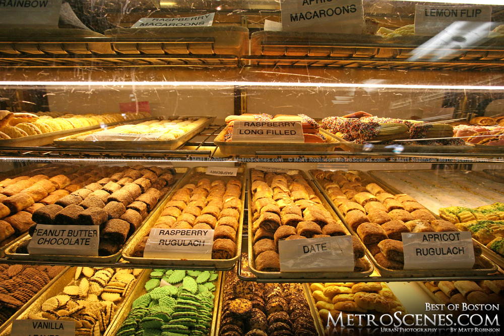 Mike's Pastries in Boston