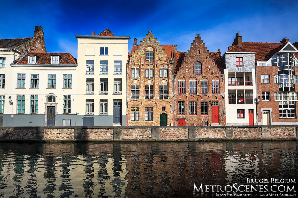 Bruges buildings along Spiegelrei