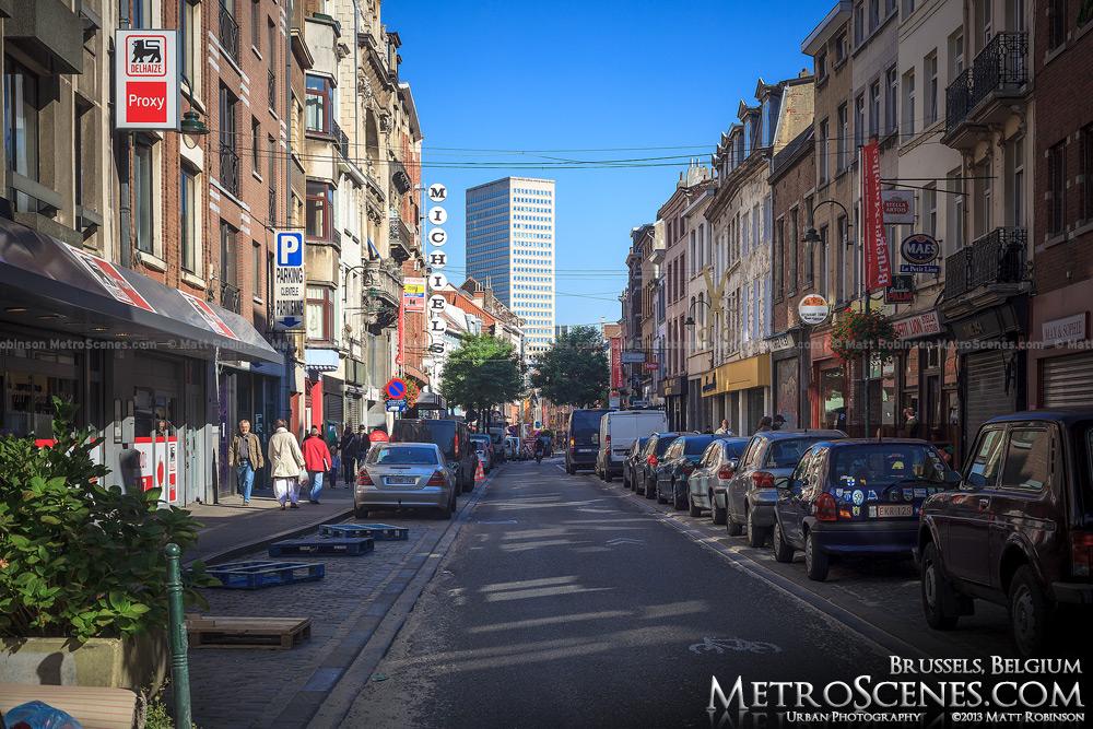 A Brussels street scene, Rue Haute