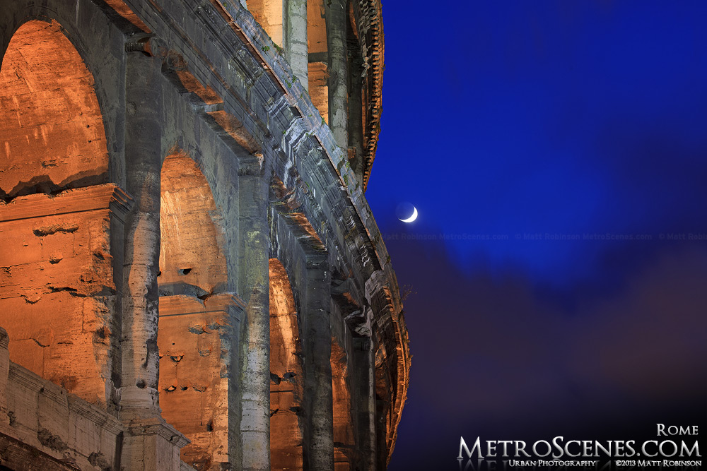 Colosseum moonrise