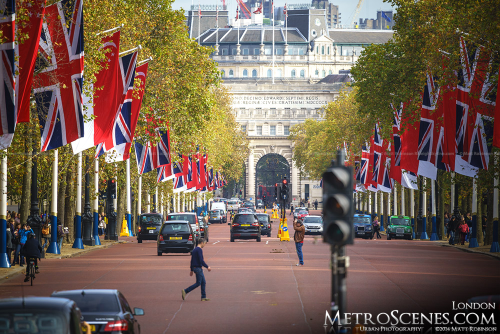 Looking down the Mall of London from Buckingham Palace