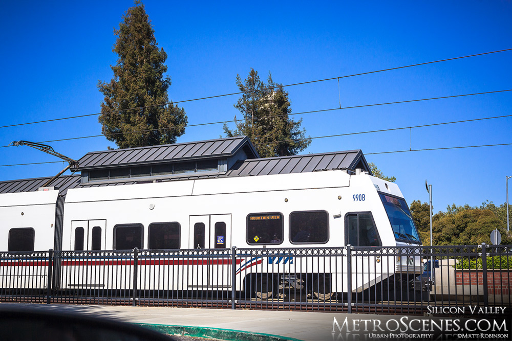 Mountain View Light Rail in Campbell, CA