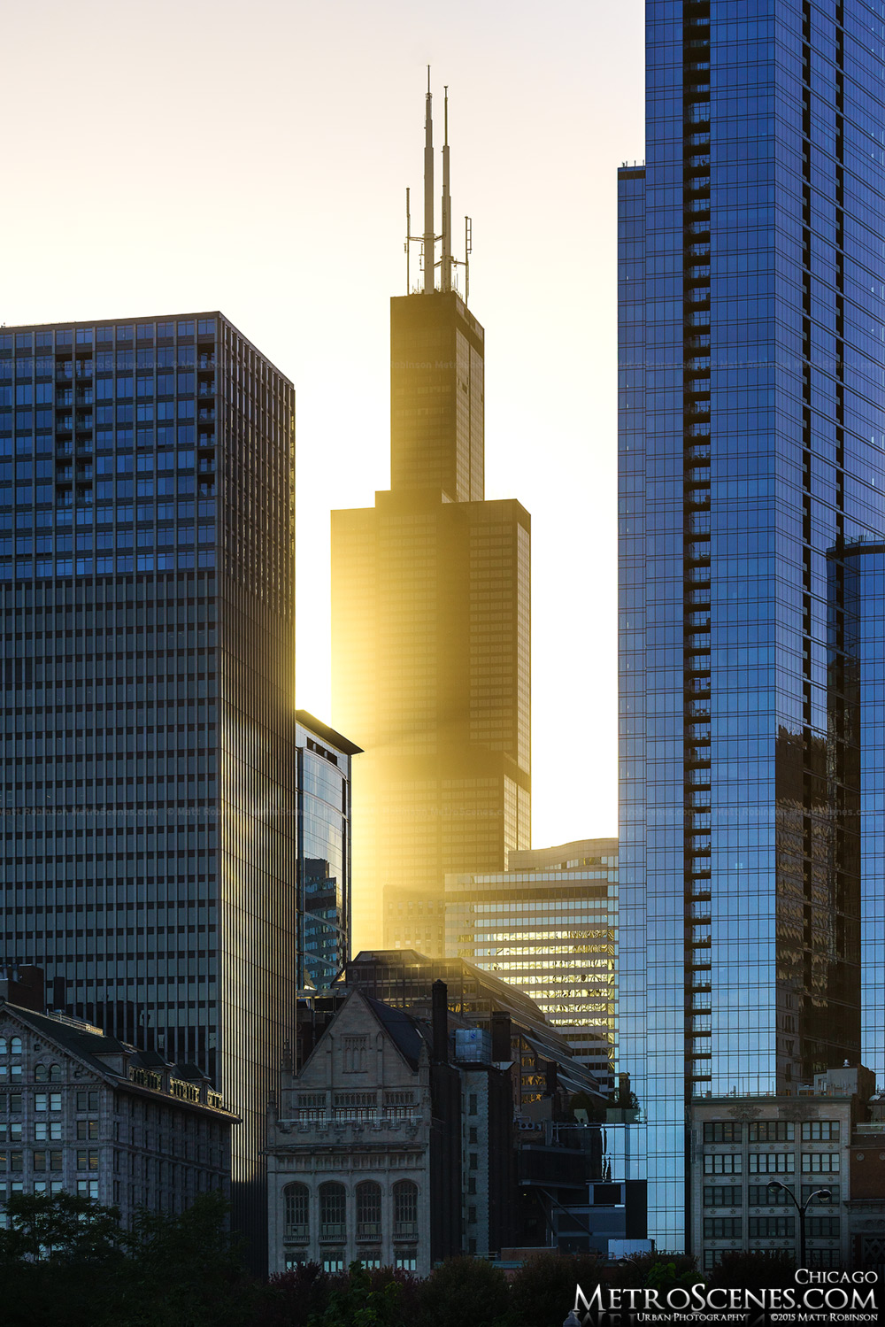 Sunlight rays through Sears Tower (Willis Tower)