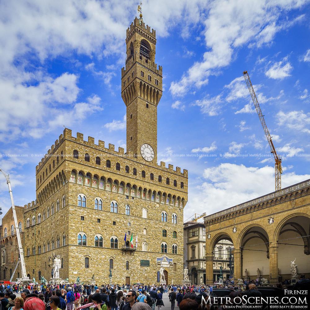 Daytime view of Piazza della Signoria