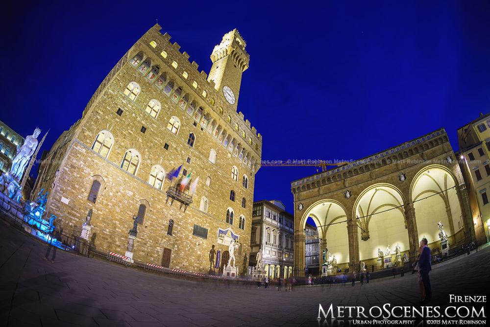 Fisheye of Palazzo Vecchio at night