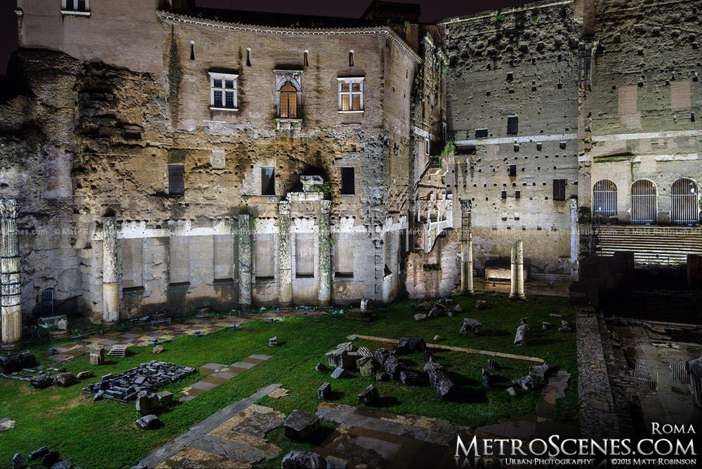 The Roman ruins illuminated at night