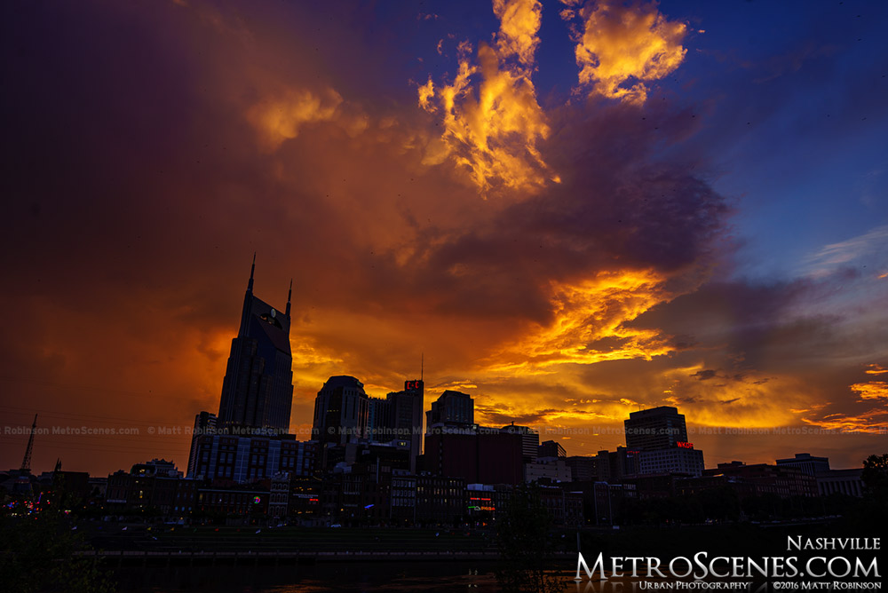 Nashville, Tennessee Skyline silhouette at sunset