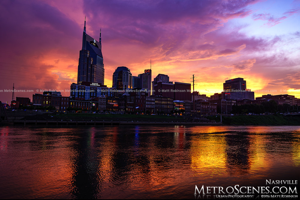 Pink and Orange sunset over the Nashville, Tennessee Skyline