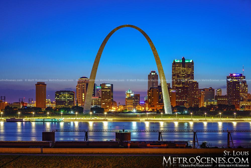 St. Louis Skyline at night 2016