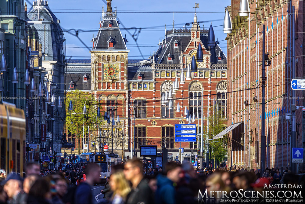 Zoom down Damrak to Amsterdam Centraal