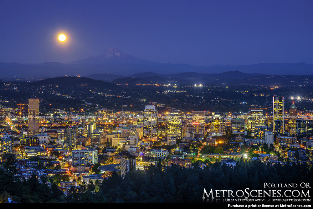 Full moon over Portland, Oregon