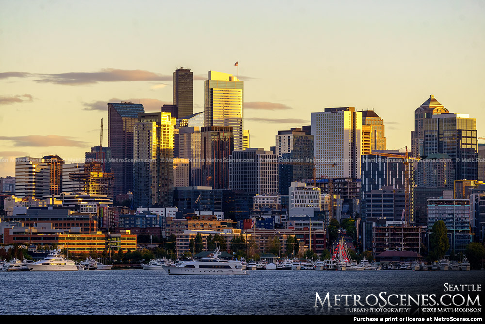 Sun sets on Seattle from Gas Works Park