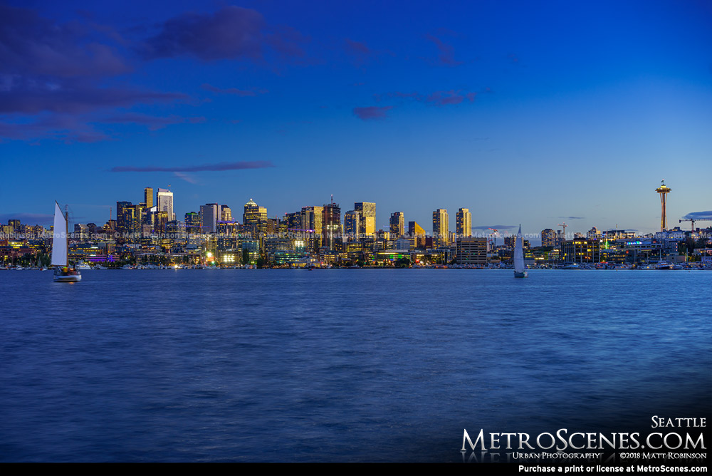 Downtown Seattle Skyline from Gas Works Park at night